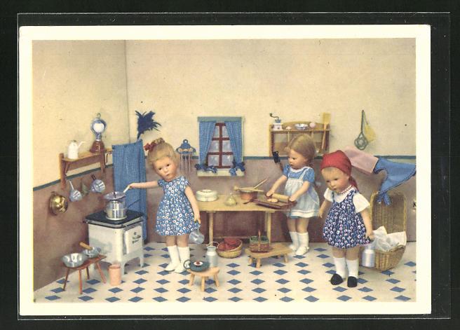 AK Käthe Kruse-Puppe in Küche