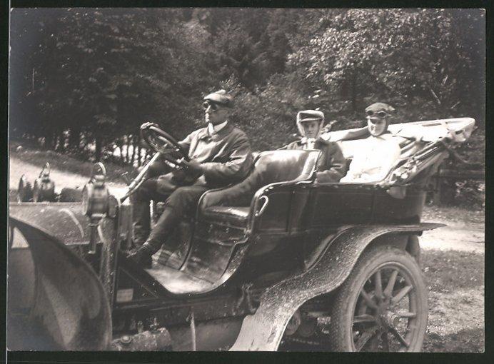 Fotografie Auto Cabrio, Fahrer chauffiert Damen im offenen Kfz