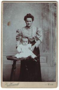 Fotografie G. Horvarth, Wien, Portrait Mutter und Säugling