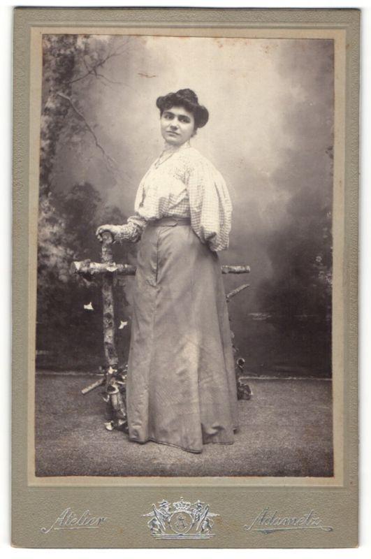 Fotografie Atelier Adametz, Wien, Portrait junge bürgerliche Frau
