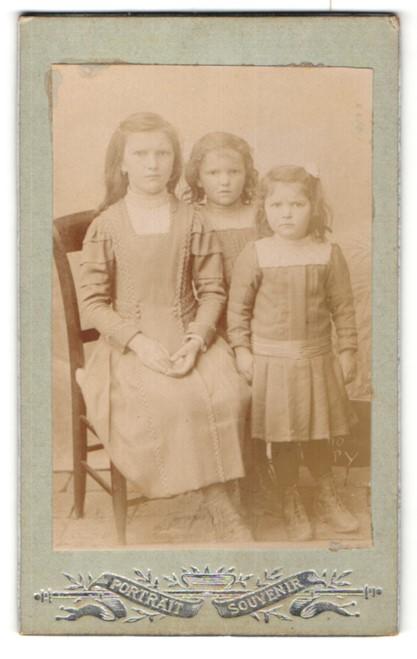 Fotografie Albert Vastel, Paris, Portrait drei Mädchen, Schwestern