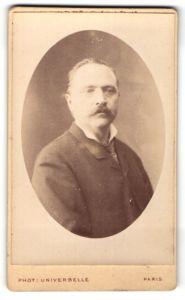 Fotografie Phot. Universelle, Paris, Portrait Herr mit Oberlippenbart
