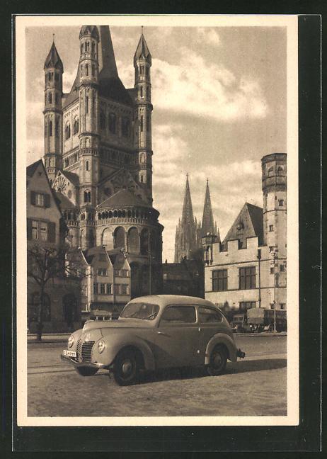 AK Köln a. Rh., Ford-Auto an der St. Martinskirche