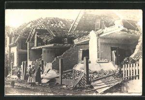 Foto-AK Oppau, Dampfkesselexplosion 1921, zerstörte Einfamilienhäuser einer Siedlung
