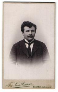 Fotografie Frz. Xav. Asanger, Weiden, Portrait junger Mann mit zeitgenöss. Frisur