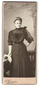 Fotografie A. Grieger, Berlin-NO, Neu-Weissensee, Portrait junge Dame mit langem Haar