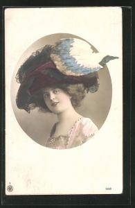 AK Portrait einer jungen Frau mit riesigem Hut