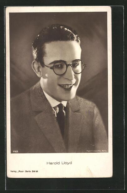 brand new 10bd8 fe828 AK Schauspieler Harald Lloyd mit Brille und Krawatte im Anzug
