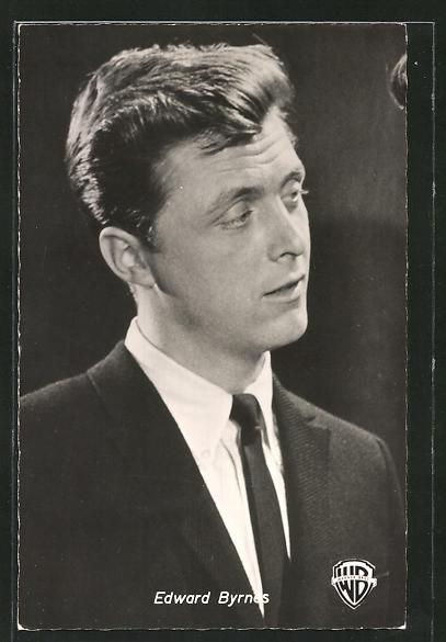 AK Schauspieler Edward Byrnes im Anzug mit Krawatte