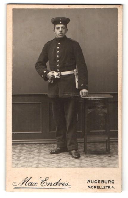 Fotografie Max Endres, Augsburg, Portrait junger Soldat in Uniform
