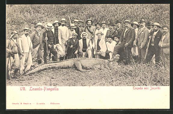AK Loanda-Panguilla, Männer mit gefangenem Krokodil