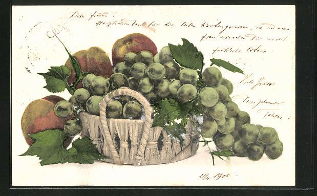 AK Weintrauben und Äpfel in einem Korb