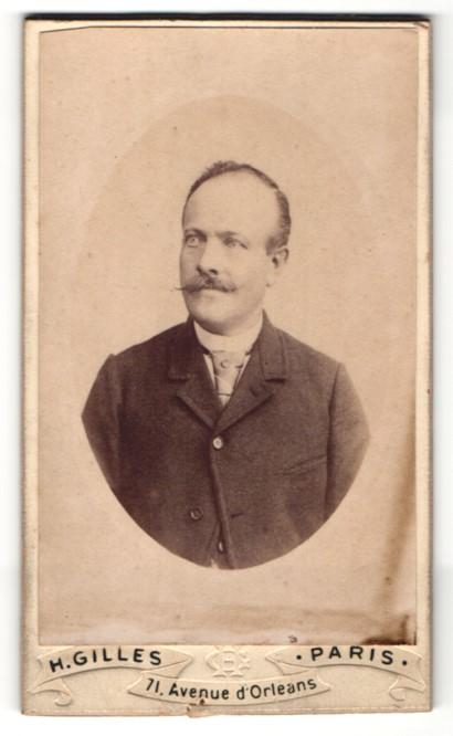 Fotografie H. Gilles, Paris, Portrait Herr mit Oberlippenbart