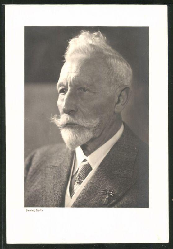 Fotografie Portrait Kaiser Wilhelm II. mit Miniatur-Orden im Exil