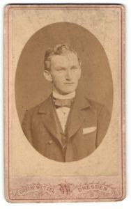Fotografie Gustav Wetzel, Dresden, Portrait junger bürgerlicher Herr