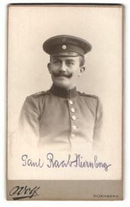 Fotografie Valentin Wolf, Nürnberg, Portrait deutscher Soldat in Uniform mit Schulterstück Rgt. 9