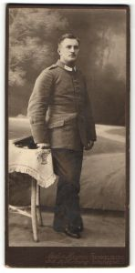 Fotografie Atelier Haynn, Rummelsburg, deutscher Soldat in Feldgrau