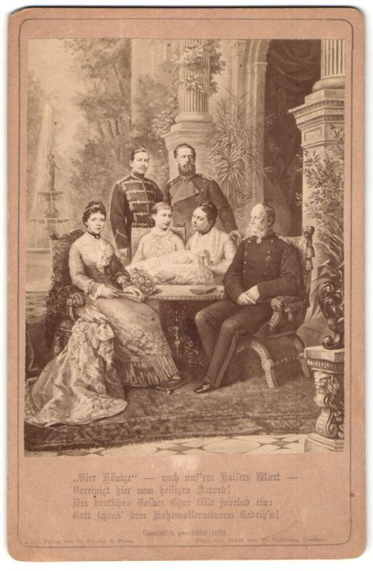 Fotografie Adel Preussen, 4 Generationen, Kaiser Wilhelm I., Friedrich III., Wilhelm II. und Kronprinz Wilhelm als Baby