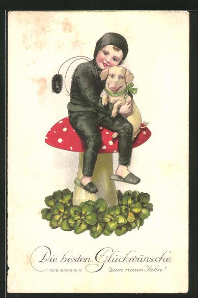 AK kleiner Schornsteinfeger sitzt auf einem grossen Pilz und kuschelt ein Schwein