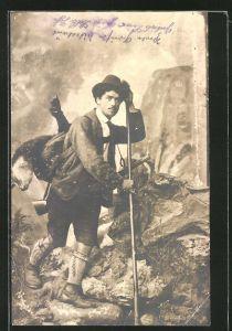 AK Jäger mit geschossenem Wildtier im Gebirge