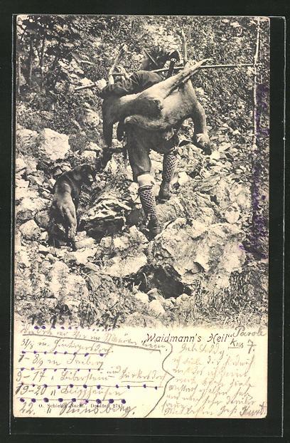 AK Jäger stolziert mit totem Rehbock auf dem Rücken durch den Wald, Waidmanns Heil