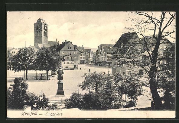 AK Bad Hersfeld, Linggplatz mit Denkmal 0