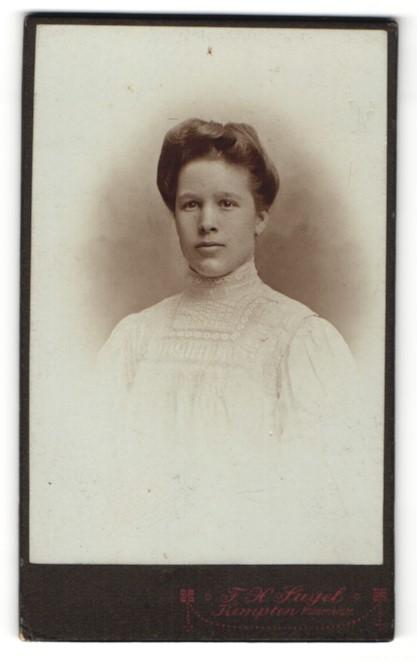 Fotografie F. X. Siegel, Kempten, Portrait junge Dame mit Hochsteckfrisur