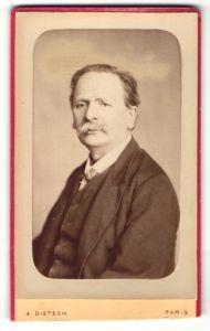 Fotografie A. Dietsch, Paris, Portrait älterer Herr mit Schnauzbart im Anzug