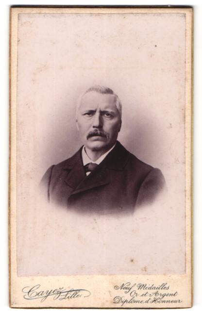 Fotografie Cayez, Lille, Portrait Herr mit Oberlippenbart