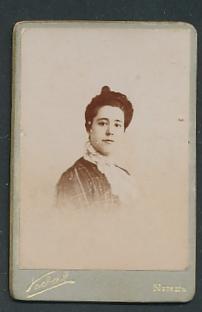 Fotografie Vidal, Nimes, Portrait junge Dame mit Hochsteckfrisur