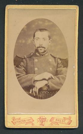 Fotografie V. Pincon, Brest, Portrait Soldat mit Bart