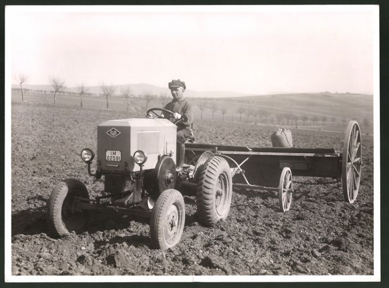 Fotografie Traktor O&K, Diesel-Schlepper mit Kfz Kennzeichen IM-02591