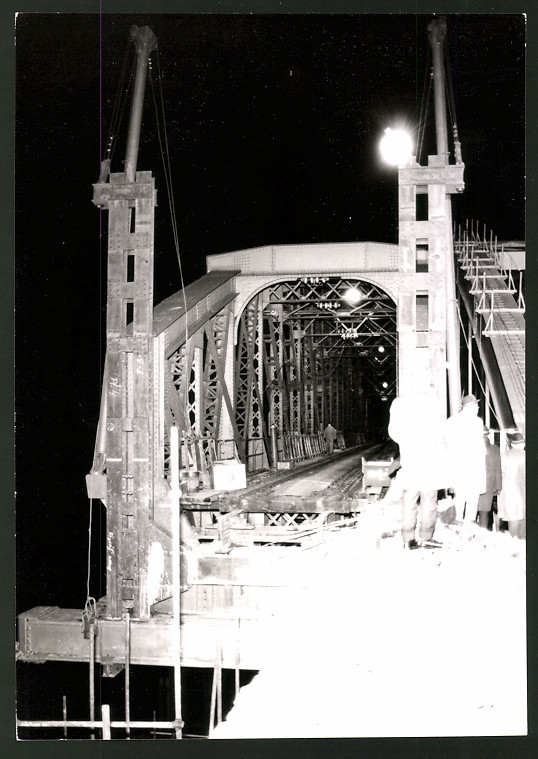 Fotografie TBA, Wien, Ansicht Tobadill, Neubau der Trisannabrücke, Nachtschicht