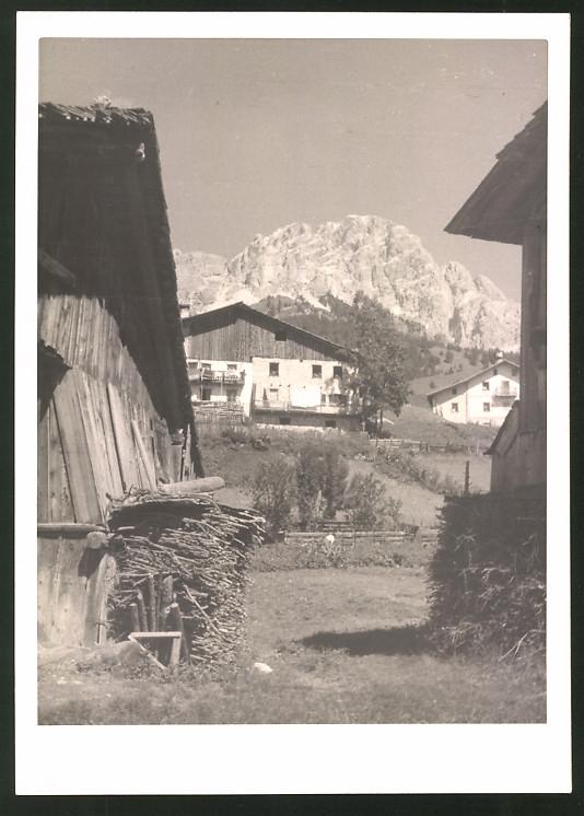 Fotografie Fotograf unbekannt, Ansicht Cortina di Ampezzo, Partie im Ort