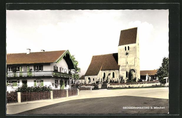 AK Grossdingharting, Strassenpartie bei der Kirche
