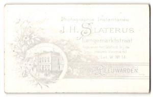 Fotografie J. H. Slaterus, Leeuwarden, rückseitige Ansicht Leeuwarden, Atelier Langemaarktstraat, vorderseitig Portrait