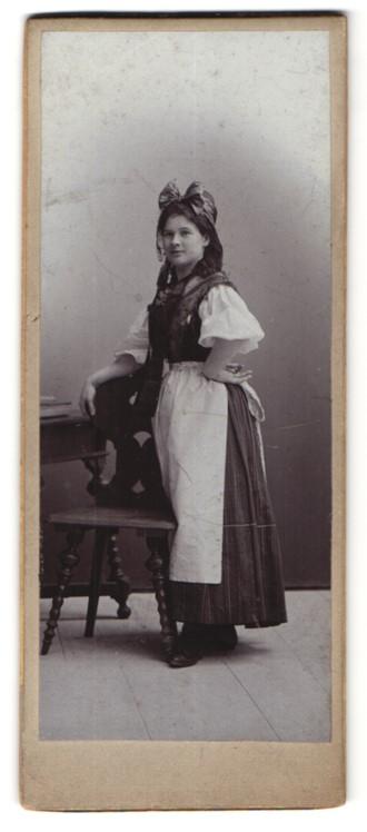Fotografie Maid in Bauerntracht, Vogtland