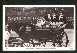 AK Königshaus von England, Prince and Princess Arthur of Connaught während einer Kutschfahrt