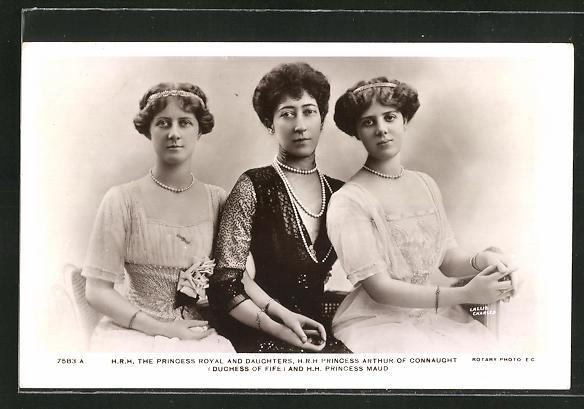 AK Königshaus von England, The Princess Royal mit ihren Töchtern Princess Maud und Princess Arthur of Connaught