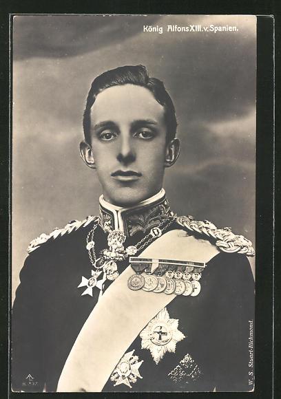 AK Portrait von König Alfons XIII von Spanien mit Orden