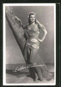 AK Schauspielerin Esther Williams im Strand-Look