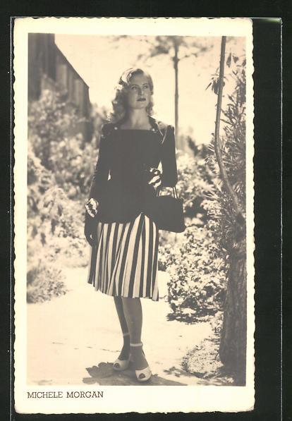 AK Schauspielerin Michele Morgan in elegantem Kostüm
