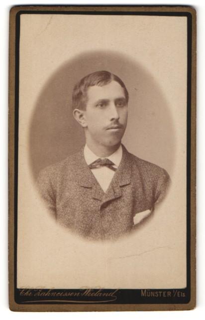 Fotografie Chr. Zahneissen-Wieland, Münster i/E., Portrait junger Mann mit Oberlippenbärtchen