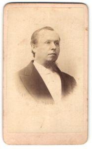 Fotografie W. Fricke, New York, NY, Portrait Mann mit Kinnbart