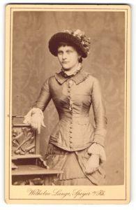 Fotografie Wilhelm Lange, Speyer a/Rh., Portrait Fräulein mit Hut