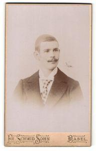 Fotografie Fr. Schmid Sohn, Basel, Portrait junger Herr mit Oberlippenbart