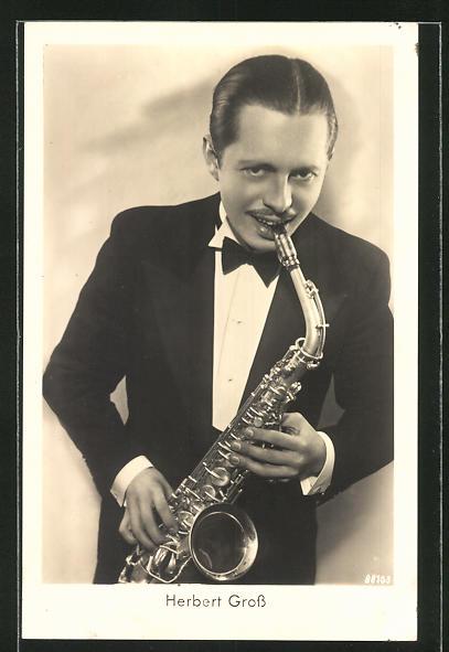AK Jazz-Musiker Herbert Gross mit seinem Saxophon