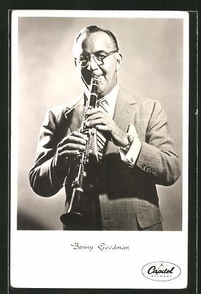 AK Jazz-Musiker Benny Goodman mit seiner Klarinette