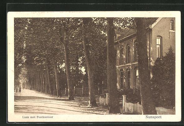 AK Nunspeet, Laan met Postkantoor 0