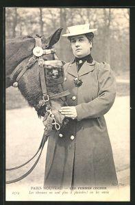 AK Paris Nouveau, Les Femmes Cocher, Kutscherin mit ihrem Pferd